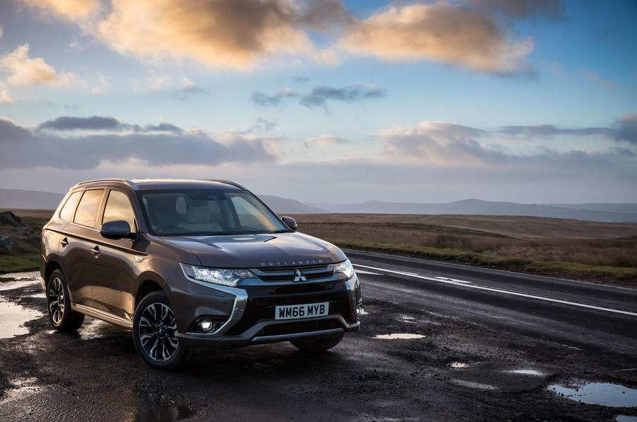 13 The 2020 Mitsubishi Outlander Model for 2020 Mitsubishi Outlander