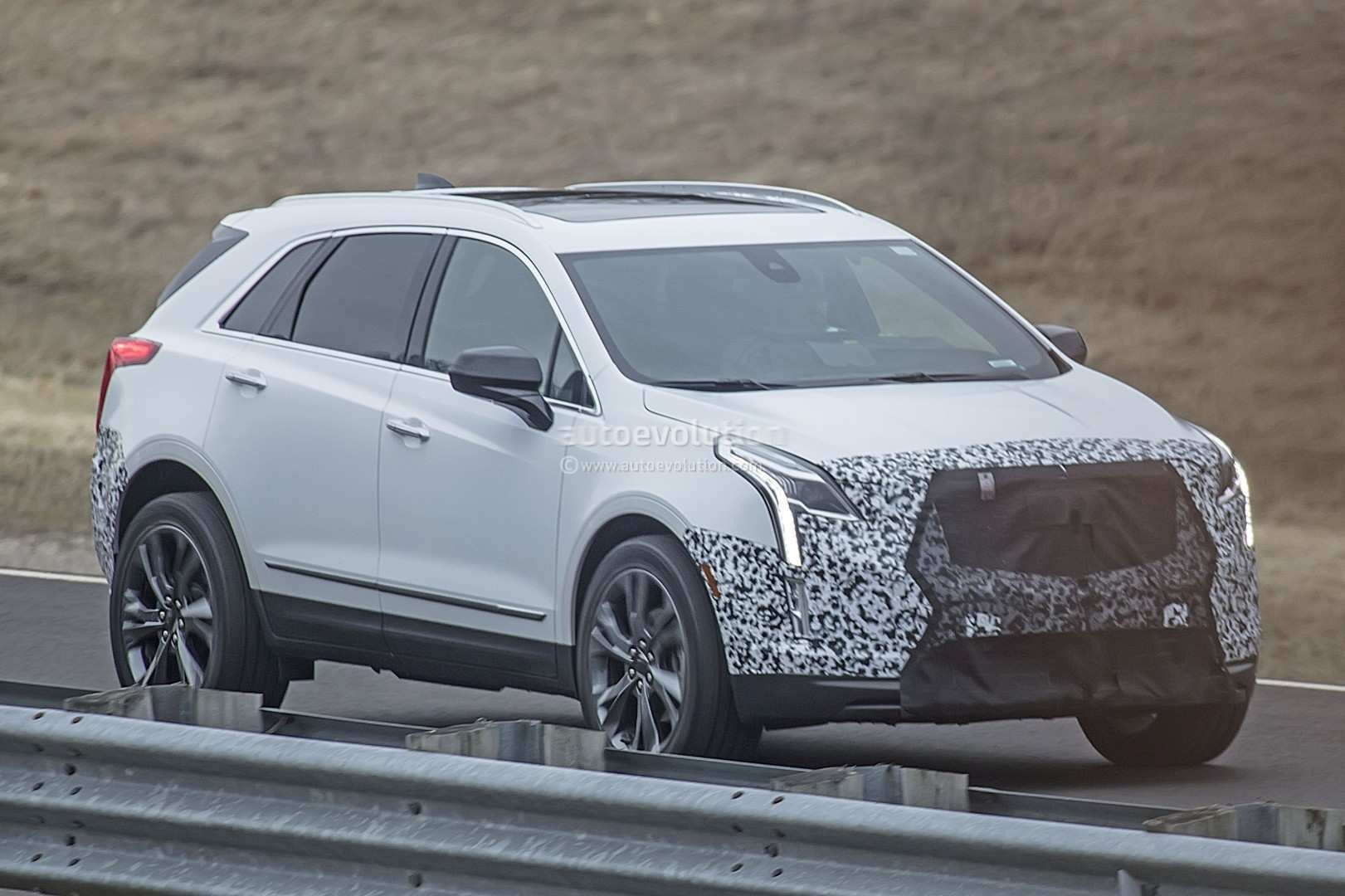 18 Great Spy Shots 2020 Cadillac Xt5 Concept for Spy Shots 2020 Cadillac Xt5