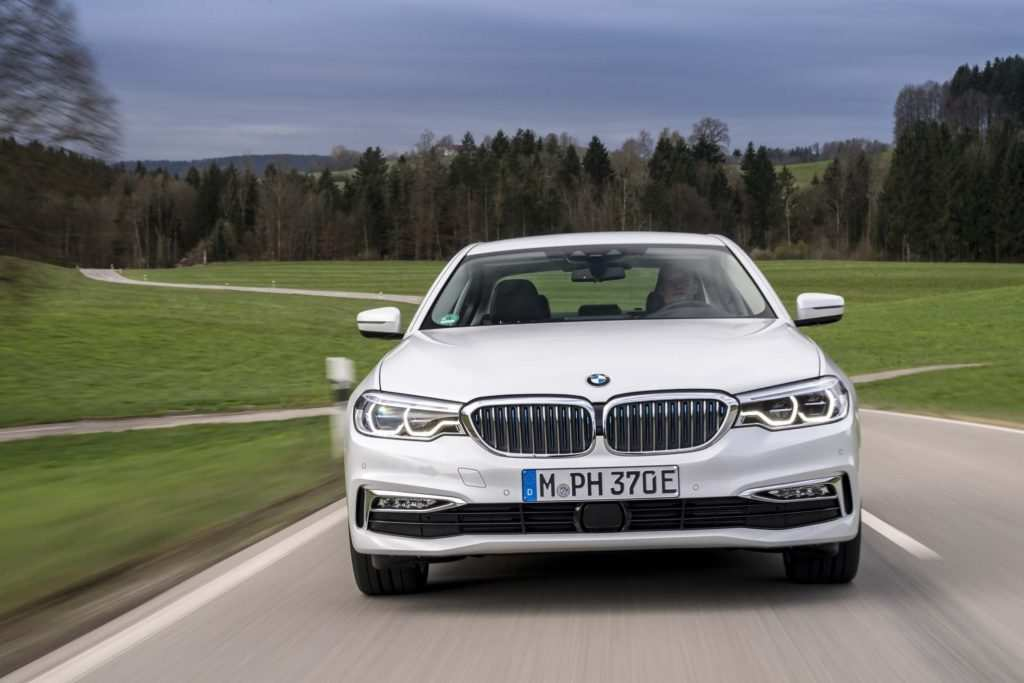 23 Gallery of 2020 BMW 3 Series Edrive Phev Pictures for 2020 BMW 3 Series Edrive Phev