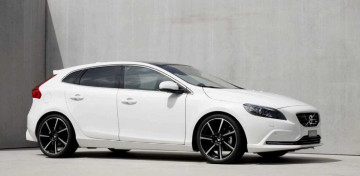 23 Gallery of Volvo V40 2020 Model for Volvo V40 2020