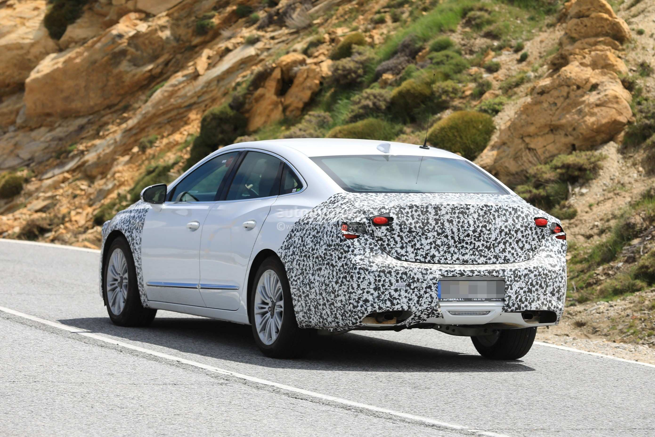 32 The 2020 Buick LaCrosses Pictures for 2020 Buick LaCrosses