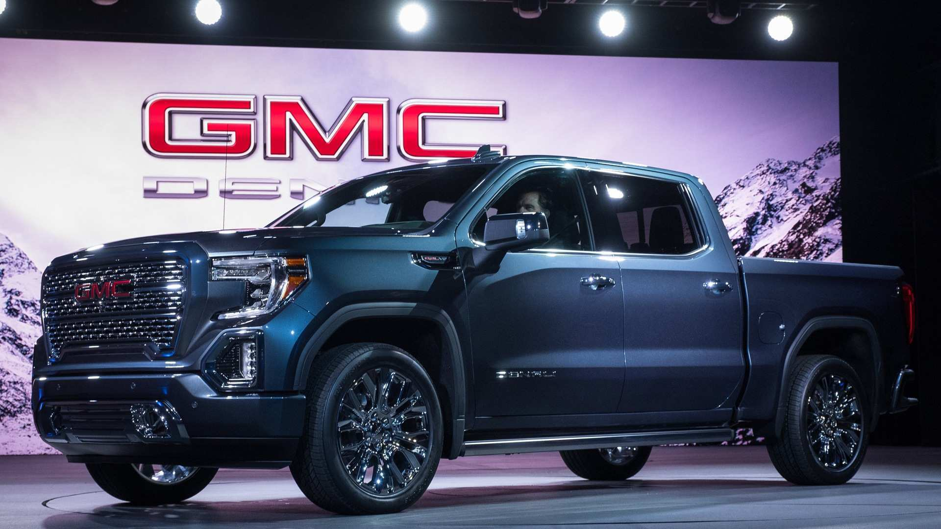 35 Gallery of 2020 GMC Sierra 1500 Diesel Concept with 2020 GMC Sierra 1500 Diesel