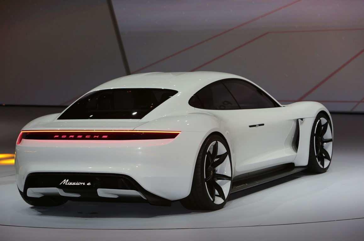 37 Concept of 2020 Porsche Panamera Interior by 2020 Porsche Panamera