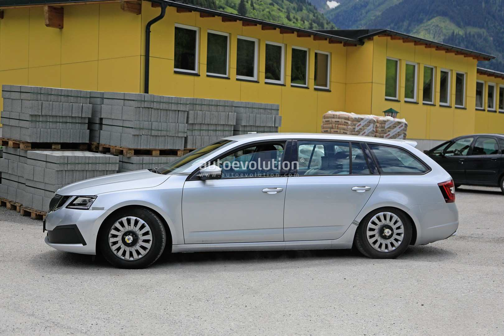 45 The 2020 The Spy Shots Skoda Superb First Drive for 2020 The Spy Shots Skoda Superb