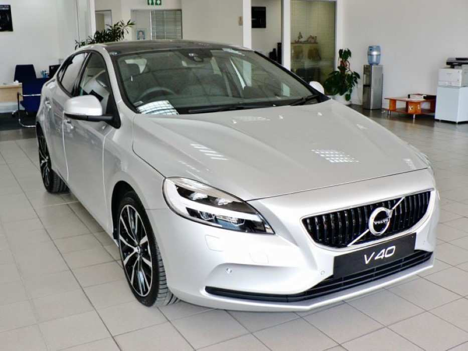47 Gallery of Volvo V40 2020 Exterior Date Redesign and Concept with Volvo V40 2020 Exterior Date