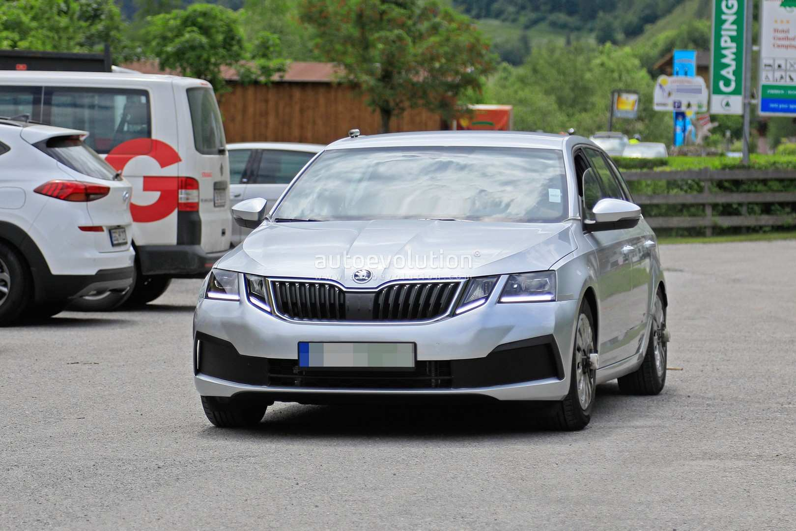 2020 The Spy Shots Skoda Superb Price and Review