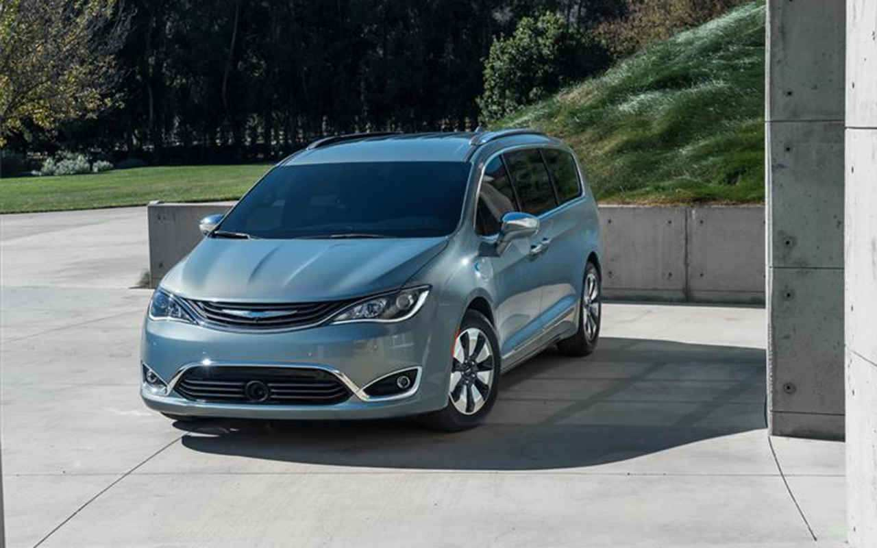 64 Concept of 2020 Chrysler Town Country Images with 2020 Chrysler Town Country