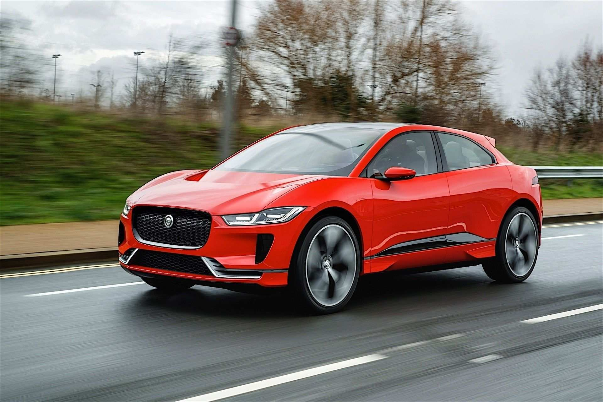 2020 Jaguar Xq Crossover Pictures