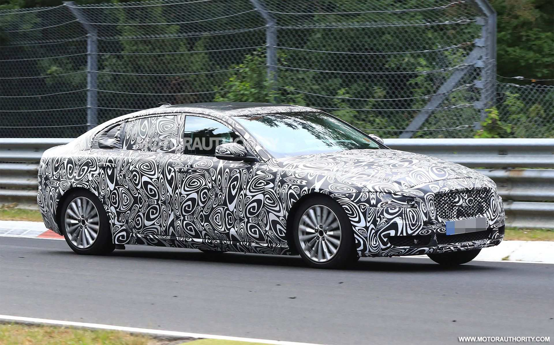 66 Gallery of 2020 Jaguar Xj Spy Photos with 2020 Jaguar Xj Spy