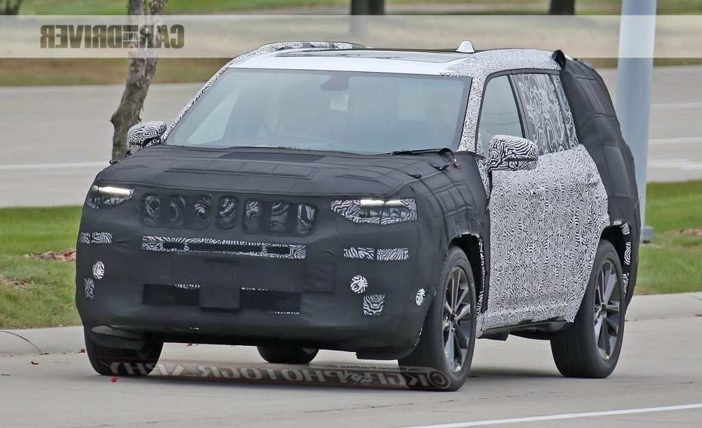74 The 2020 Jeep Grand Cherokee Spy Exteriors Review by 2020 Jeep Grand Cherokee Spy Exteriors