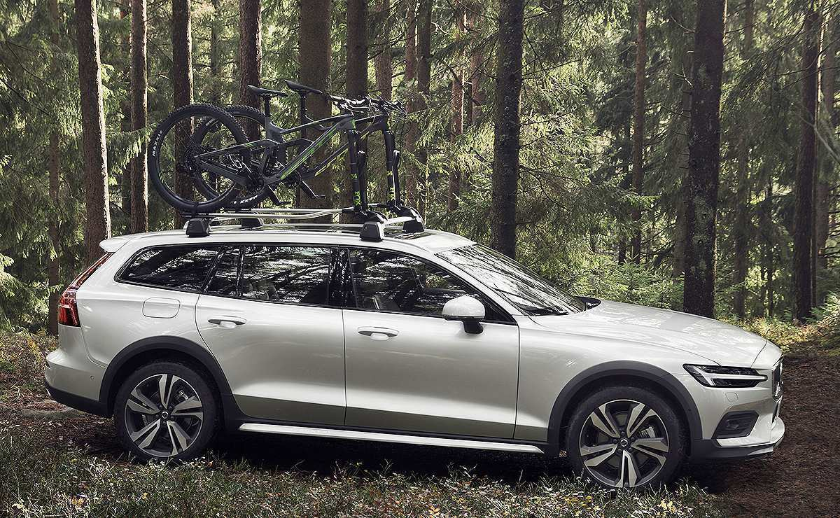 89 Gallery of 2020 Volvo V60 Ground Clearance Spy Shoot by 2020 Volvo V60 Ground Clearance