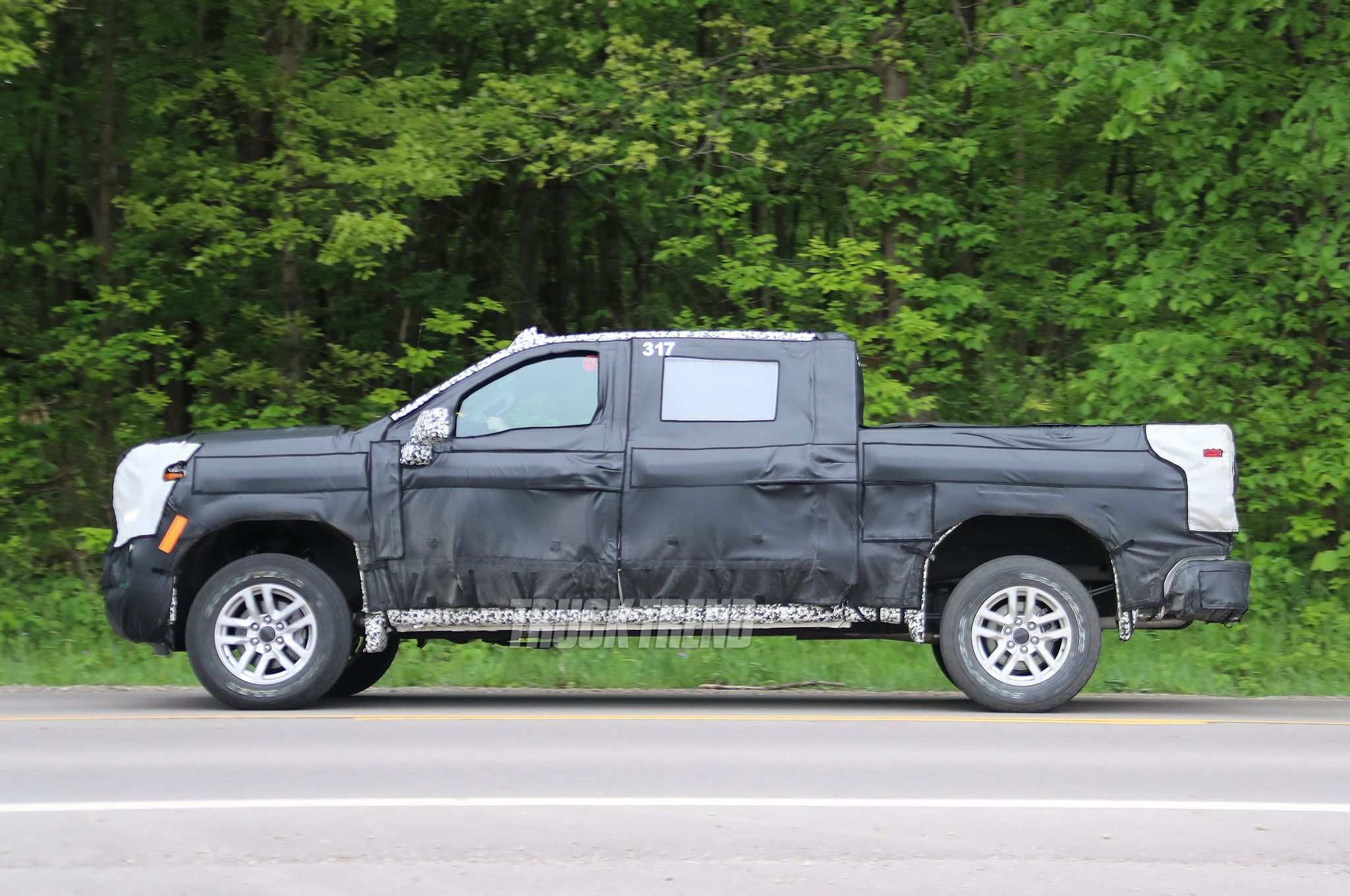 12 Gallery of 2019 Chevrolet Silverado Spy Photos Price and Review with 2019 Chevrolet Silverado Spy Photos