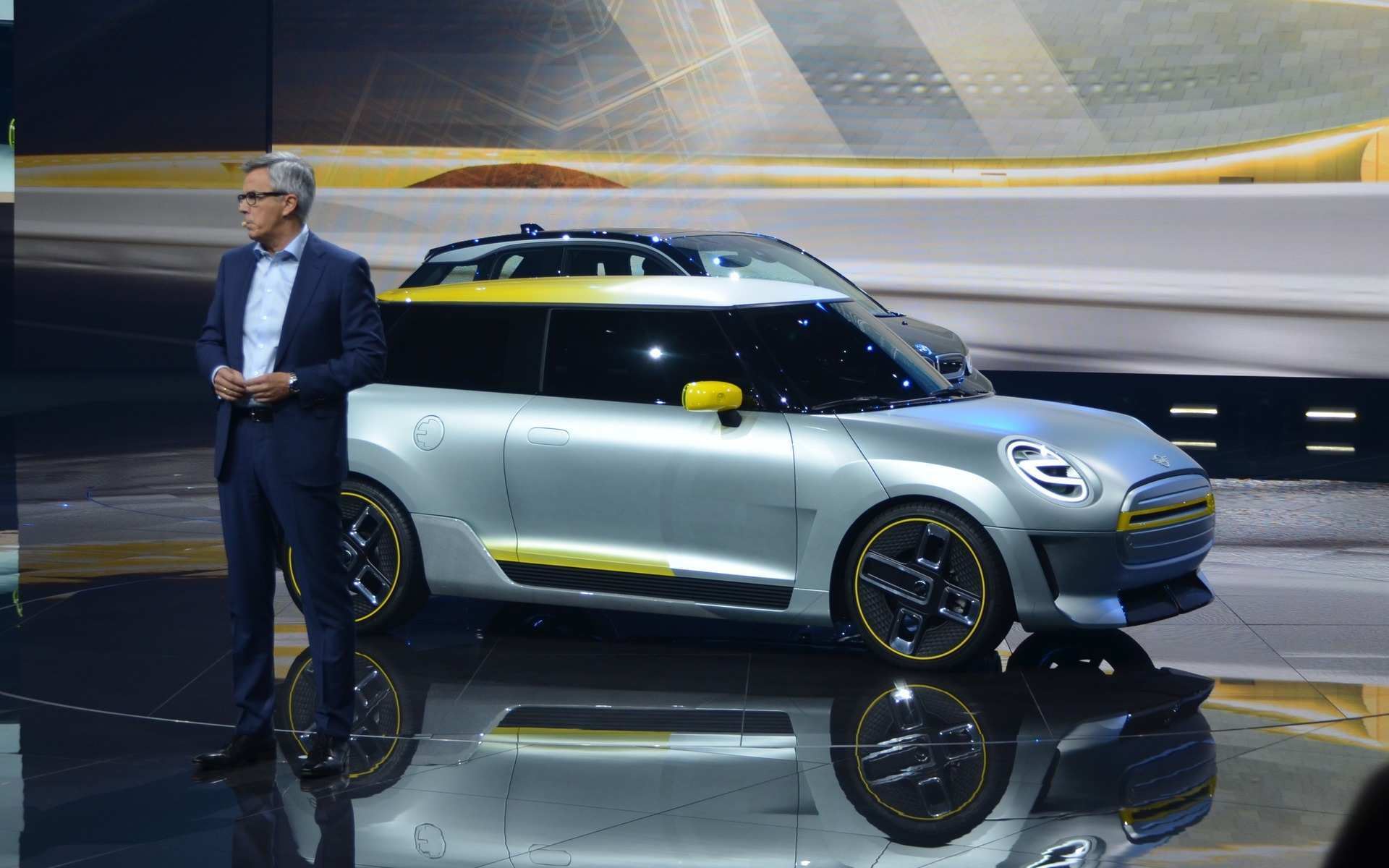 13 The 2019 Mini Jcw Gp Concept by 2019 Mini Jcw Gp