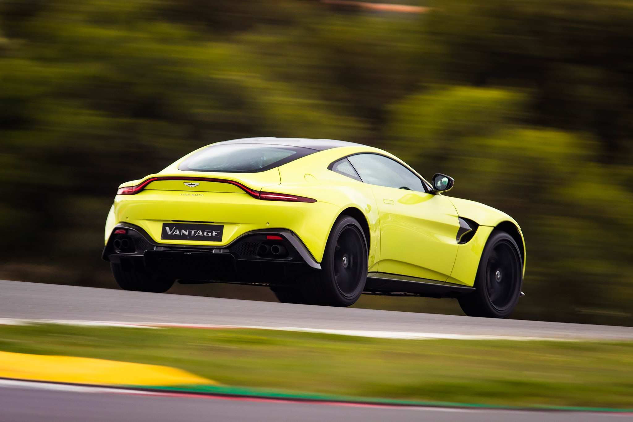 16 Great 2019 Aston Vantage New Concept with 2019 Aston Vantage