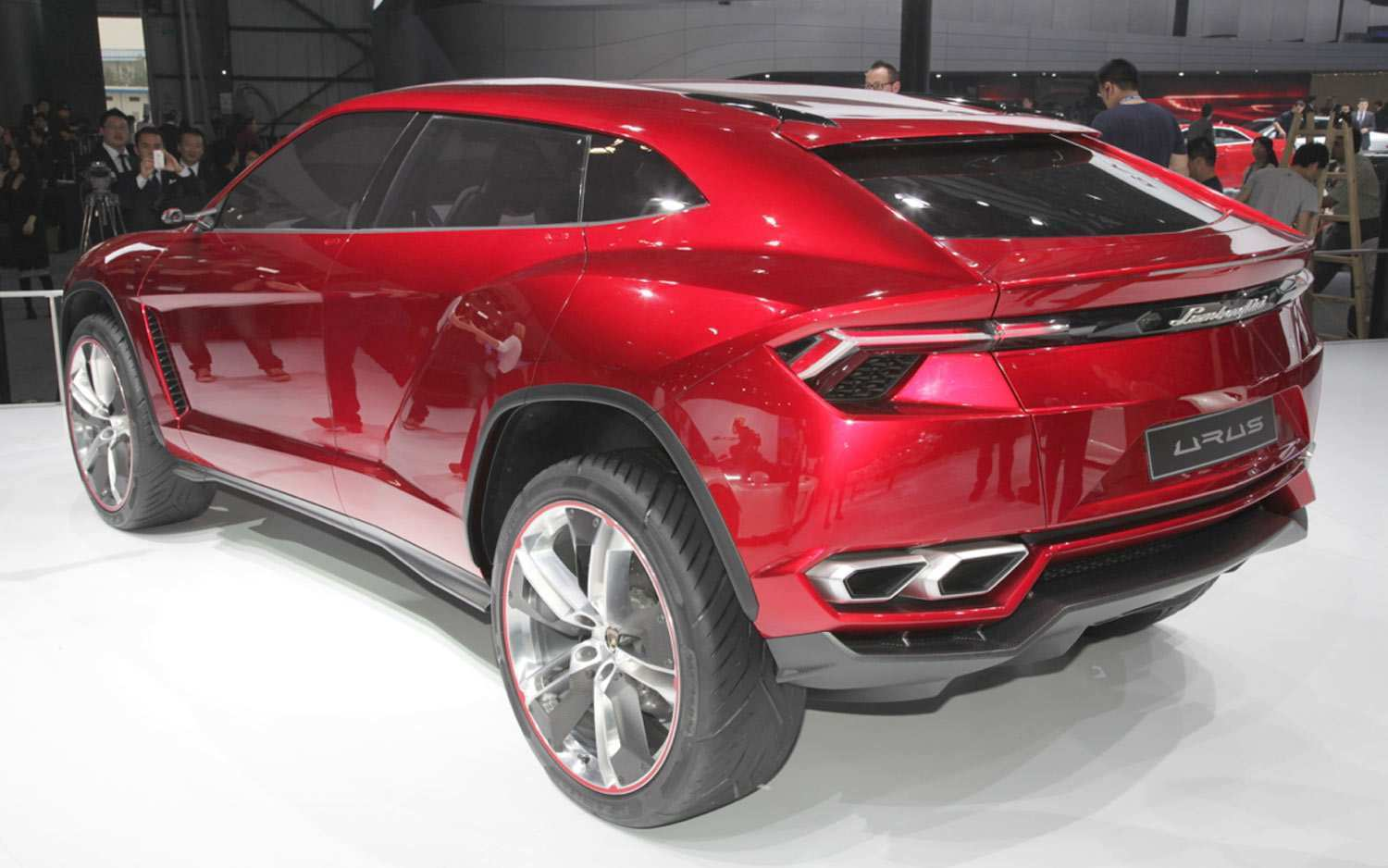 18 Concept of 2020 Lamborghini Suv First Drive with 2020 Lamborghini Suv