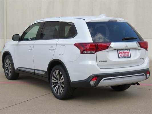 18 Gallery of 2019 Mitsubishi Outlander Se Pictures for 2019 Mitsubishi Outlander Se