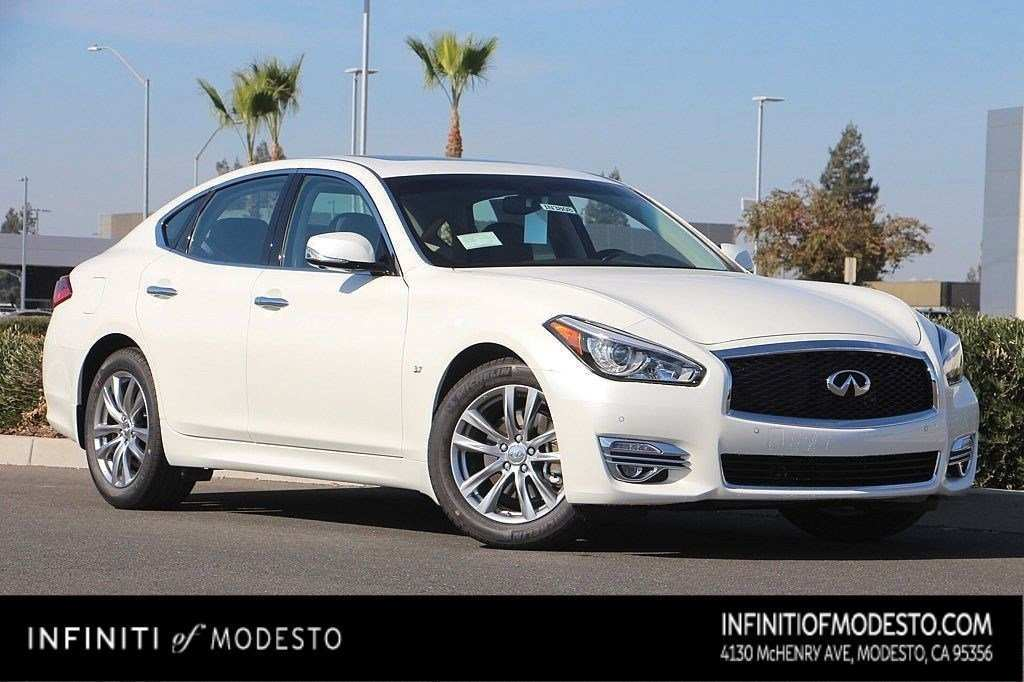 22 All New 2019 Infiniti Q70 Spy Shoot with 2019 Infiniti Q70