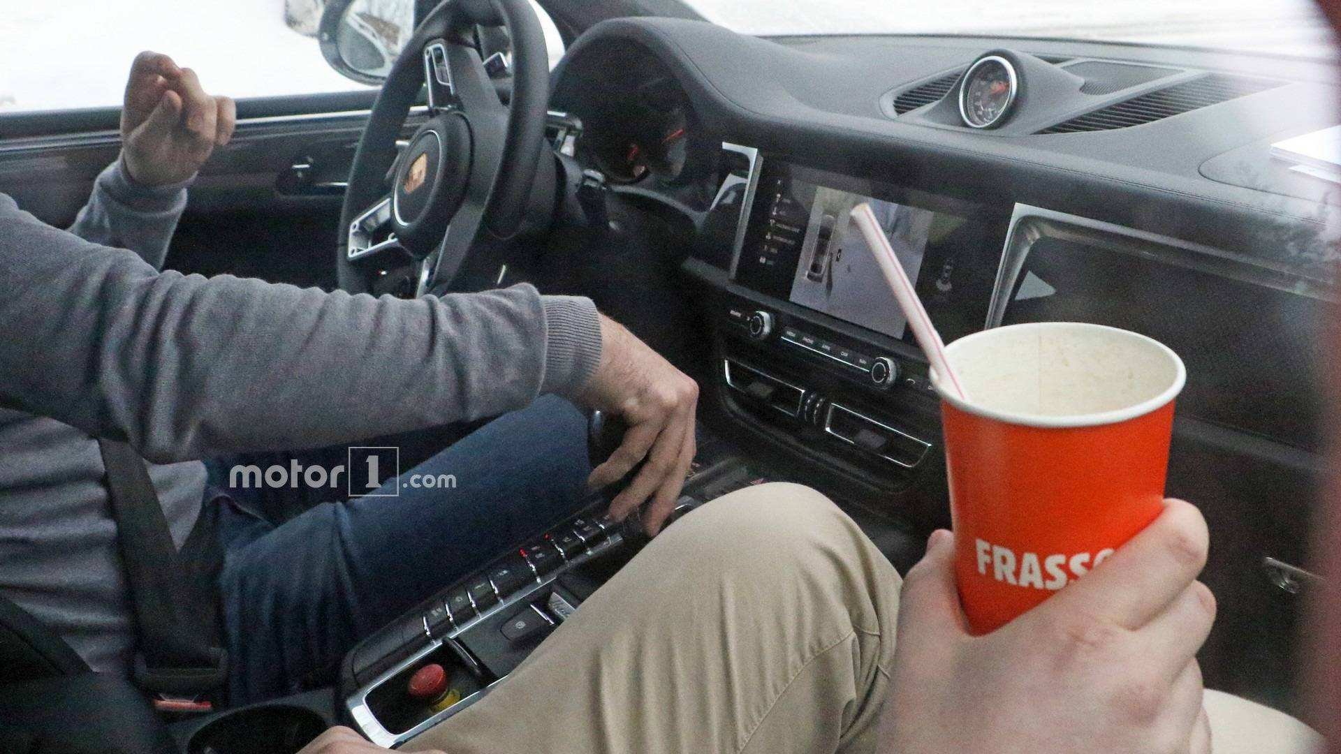 22 Gallery of 2019 Porsche Macan Interior Review with 2019 Porsche Macan Interior