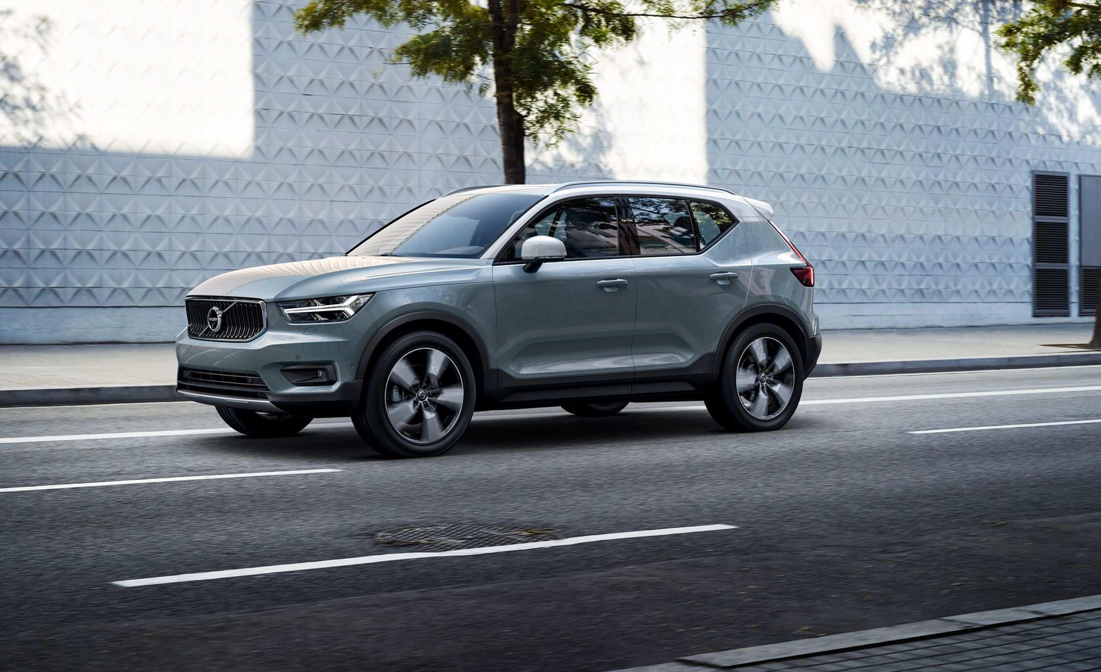 22 Gallery of 2019 Volvo 40 Interior by 2019 Volvo 40