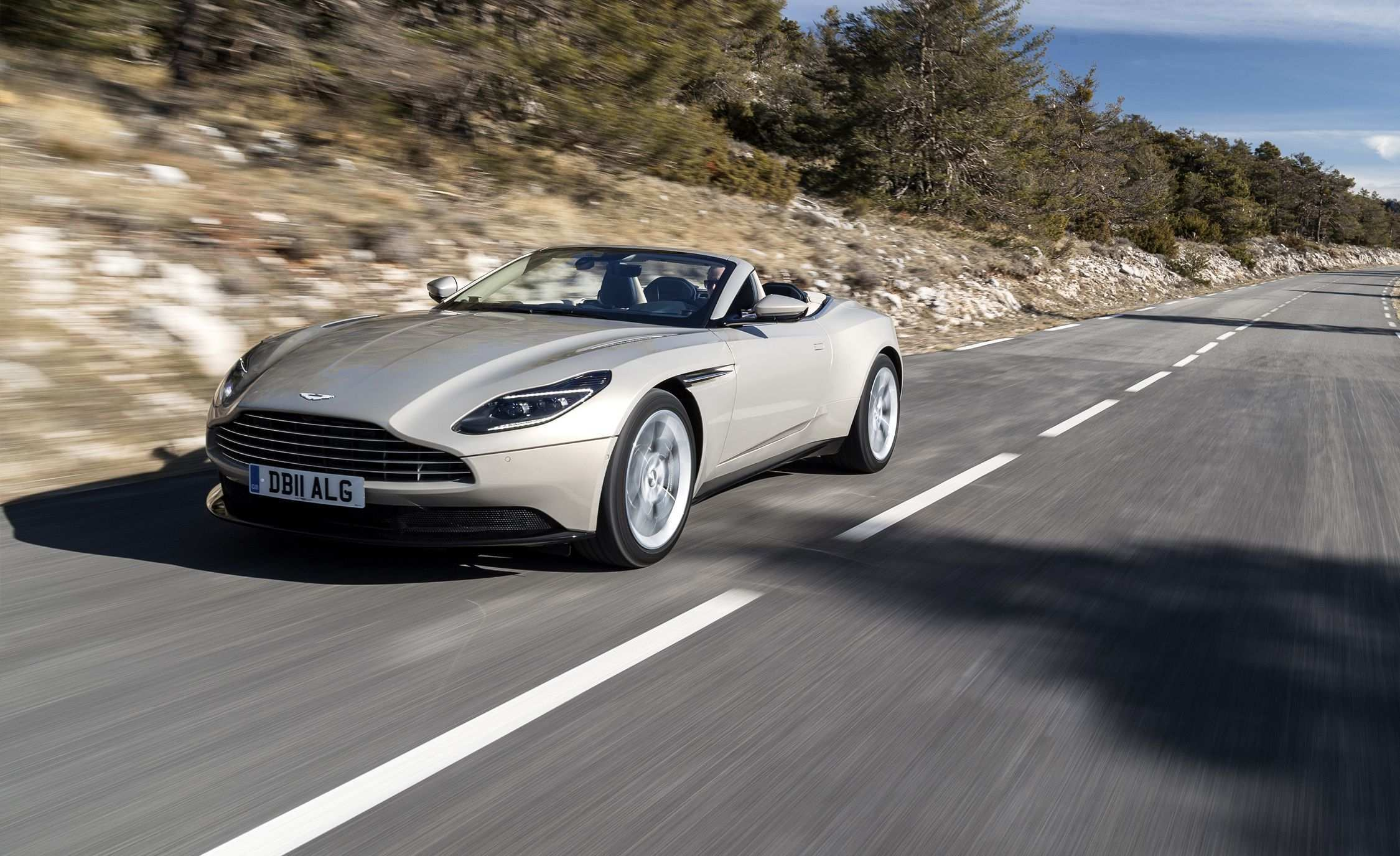 26 Great 2019 Aston Martin Db11 Volante Specs and Review for 2019 Aston Martin Db11 Volante