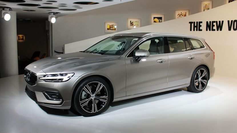 26 Great New 2019 Volvo V60 Performance and New Engine by New 2019 Volvo V60
