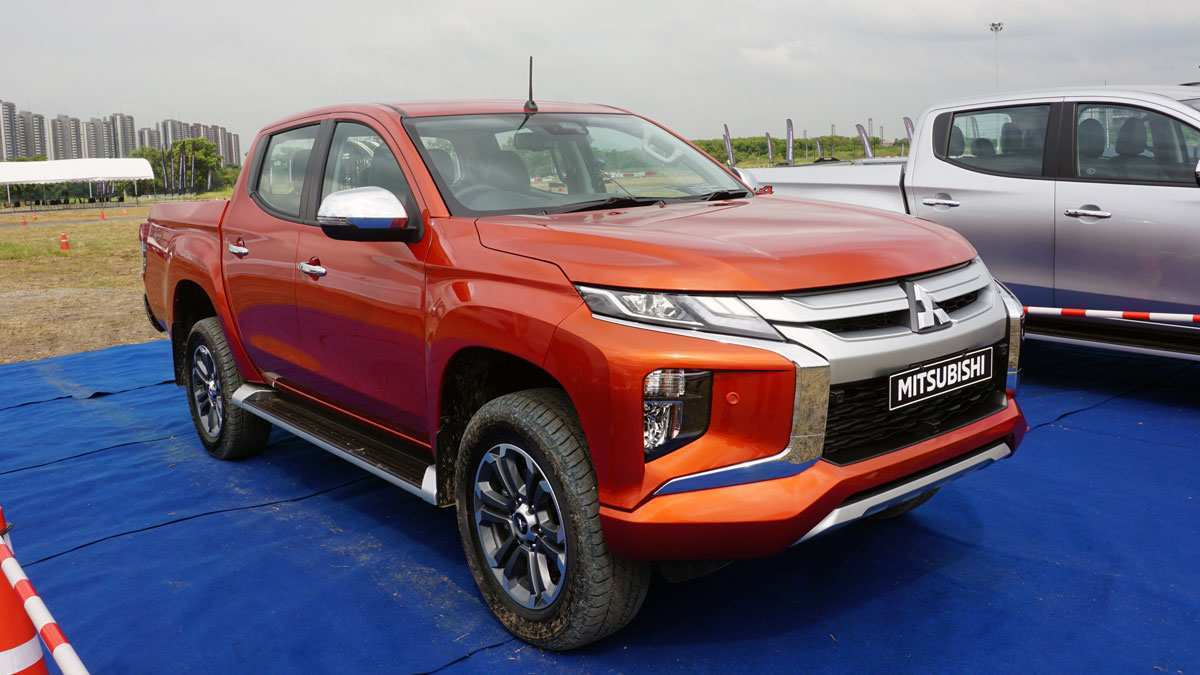 27 All New Mitsubishi Adventure 2019 First Drive by Mitsubishi Adventure 2019