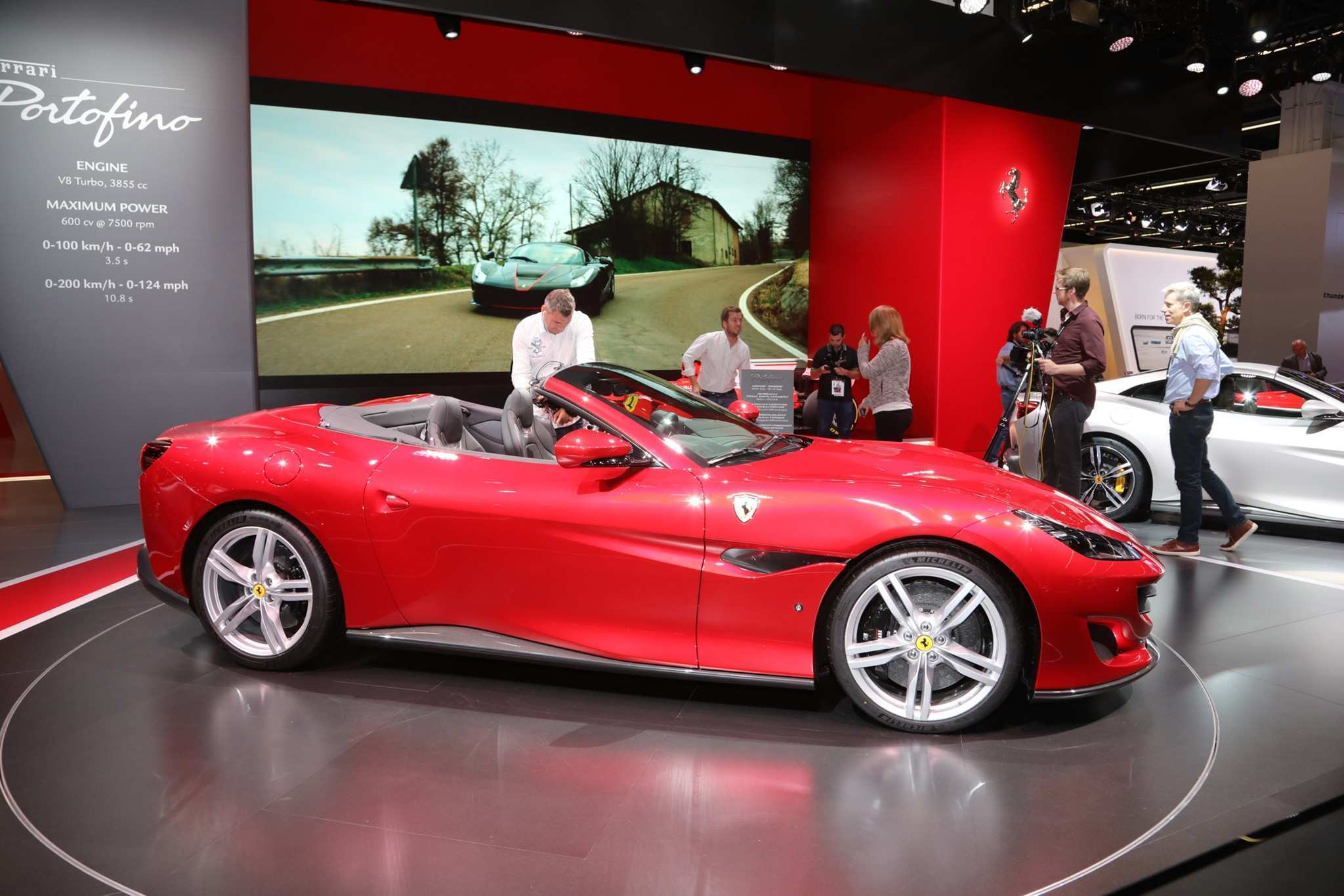 27 Great 2019 Ferrari Convertible Spesification for 2019 Ferrari Convertible