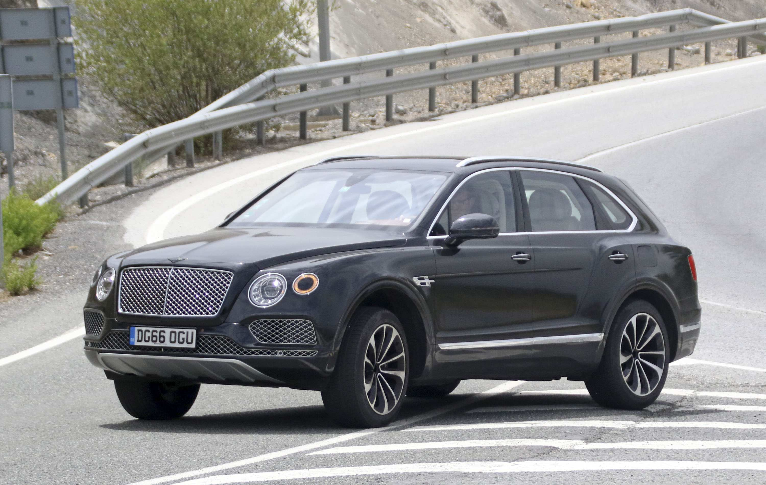 31 Great 2019 Bentley Bentayga Release Date New Review with 2019 Bentley Bentayga Release Date