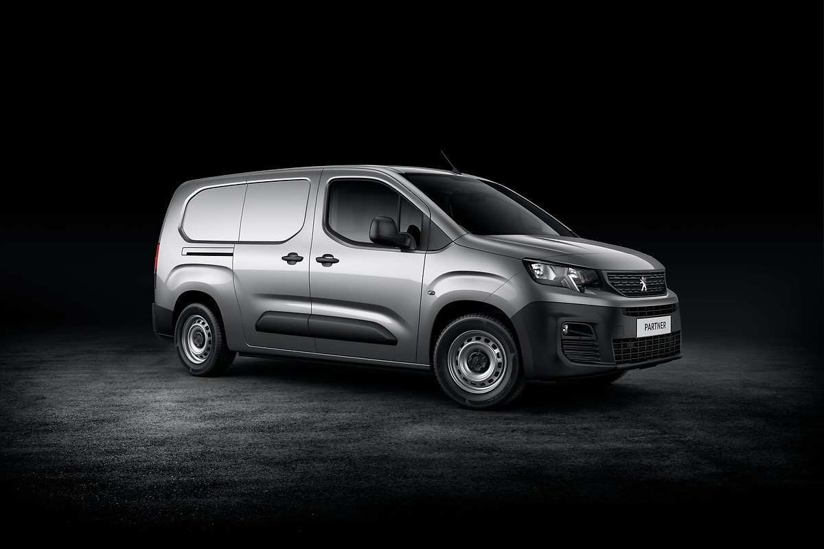 33 Concept of Peugeot Partner 2020 Spy Shoot with Peugeot Partner 2020
