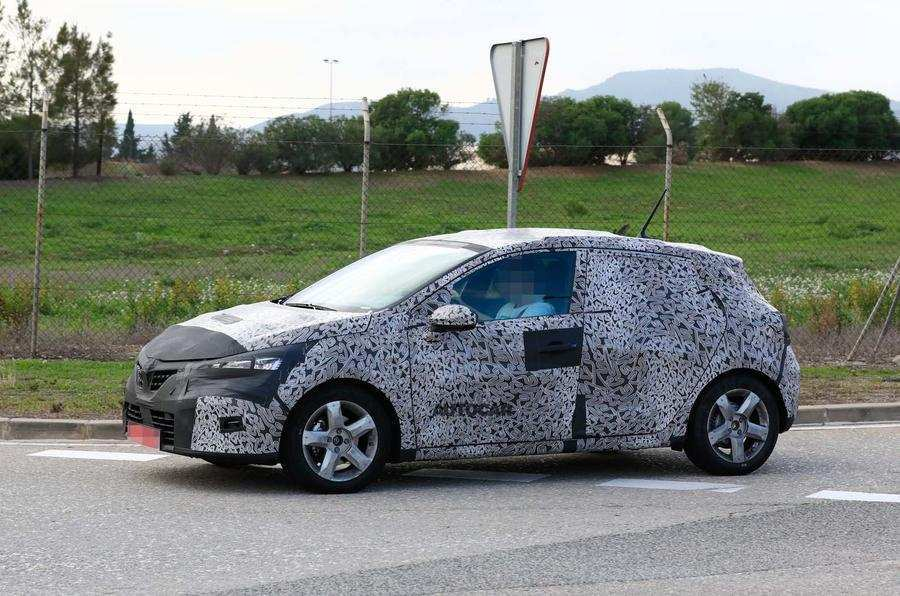 35 Gallery of Renault Clio 2019 Spy Engine with Renault Clio 2019 Spy