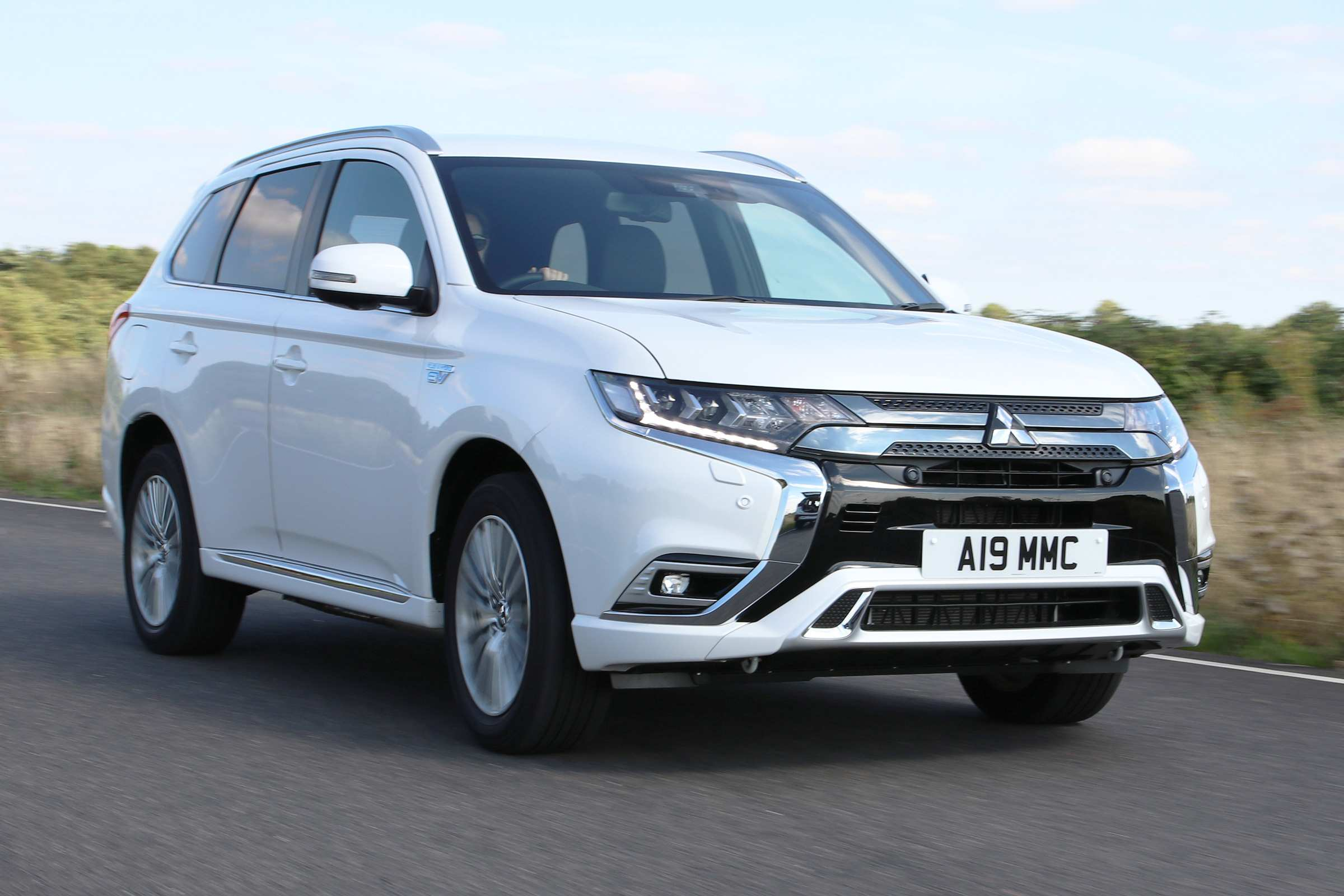 40 Gallery of 2019 Mitsubishi Outlander Phev Review Configurations by 2019 Mitsubishi Outlander Phev Review