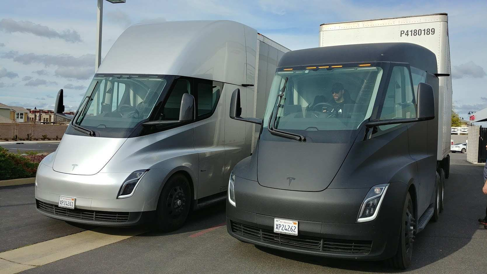 46 Gallery of 2020 Tesla Semi Exterior for 2020 Tesla Semi