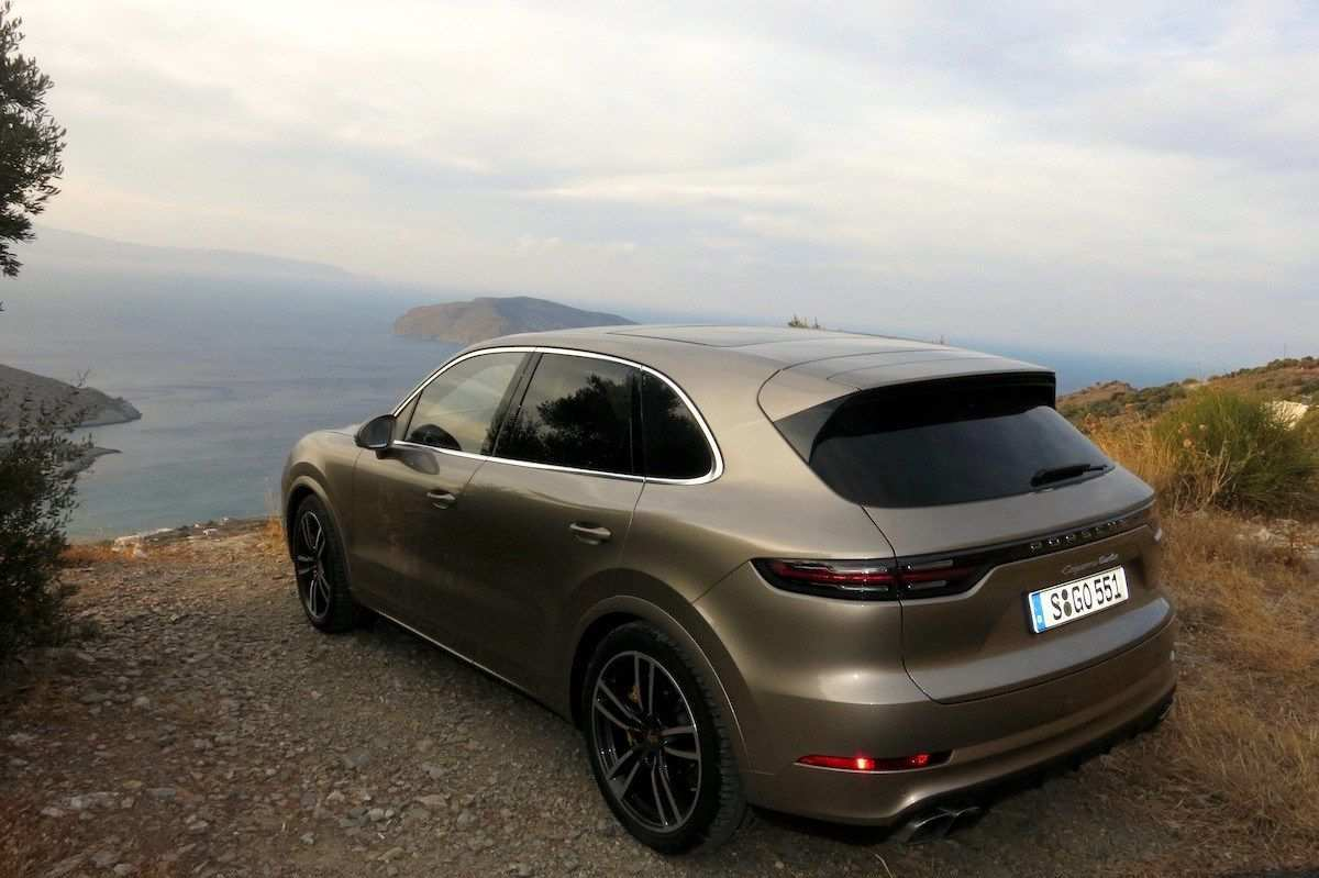 47 Concept of 2019 Porsche Cayenne Turbo Review Performance by 2019 Porsche Cayenne Turbo Review