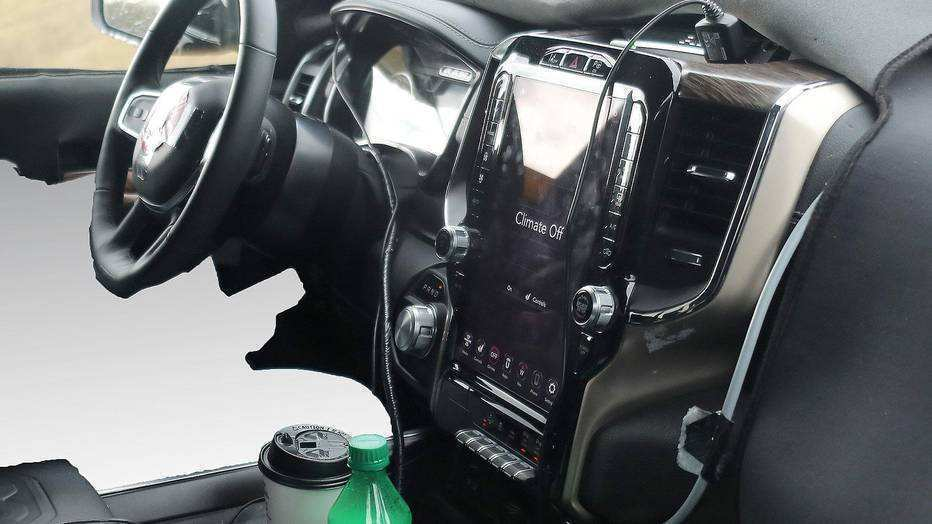 48 Gallery of 2019 Dodge Touch Screen Engine by 2019 Dodge Touch Screen