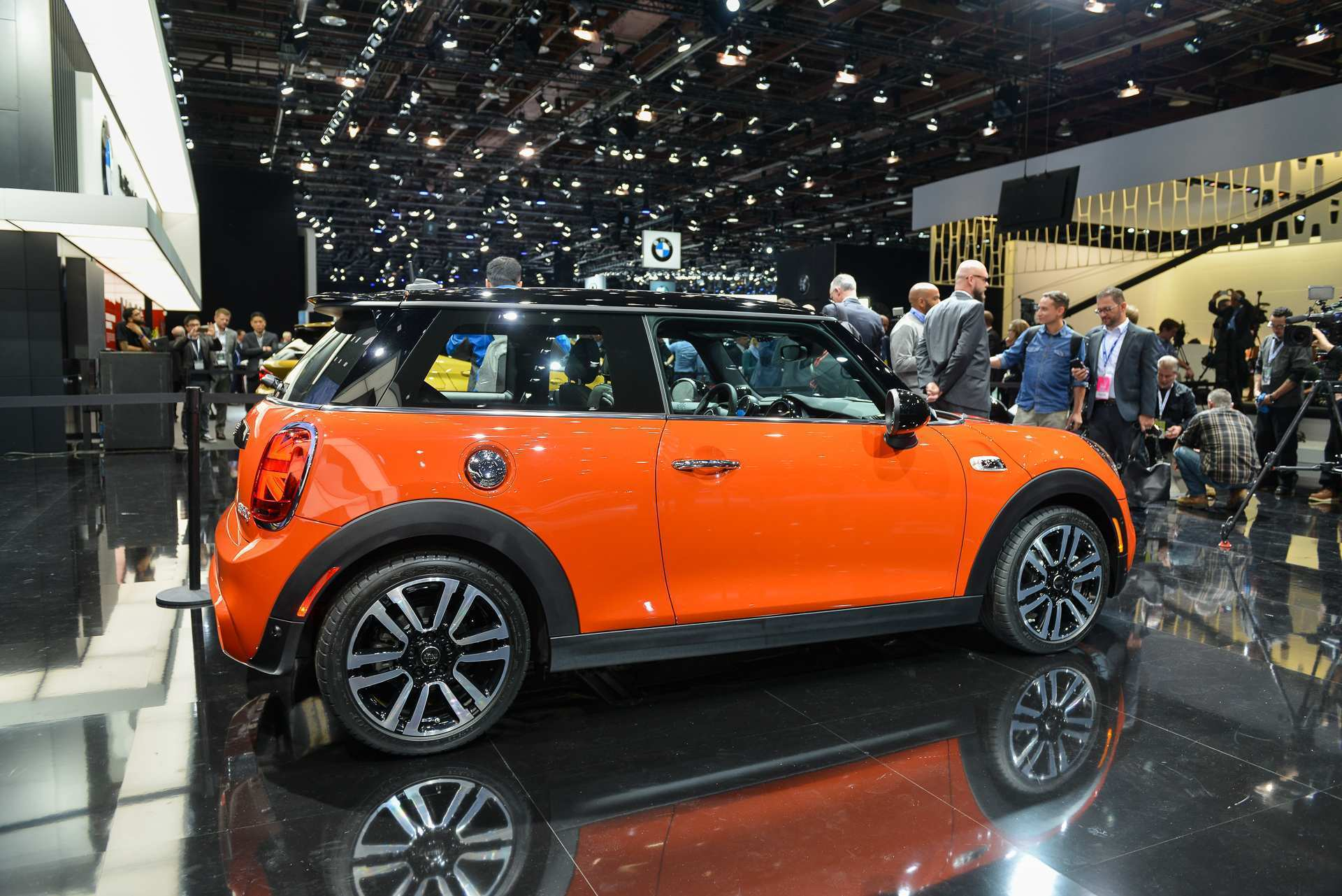 54 Gallery of 2019 Mini Cooper Exterior by 2019 Mini Cooper