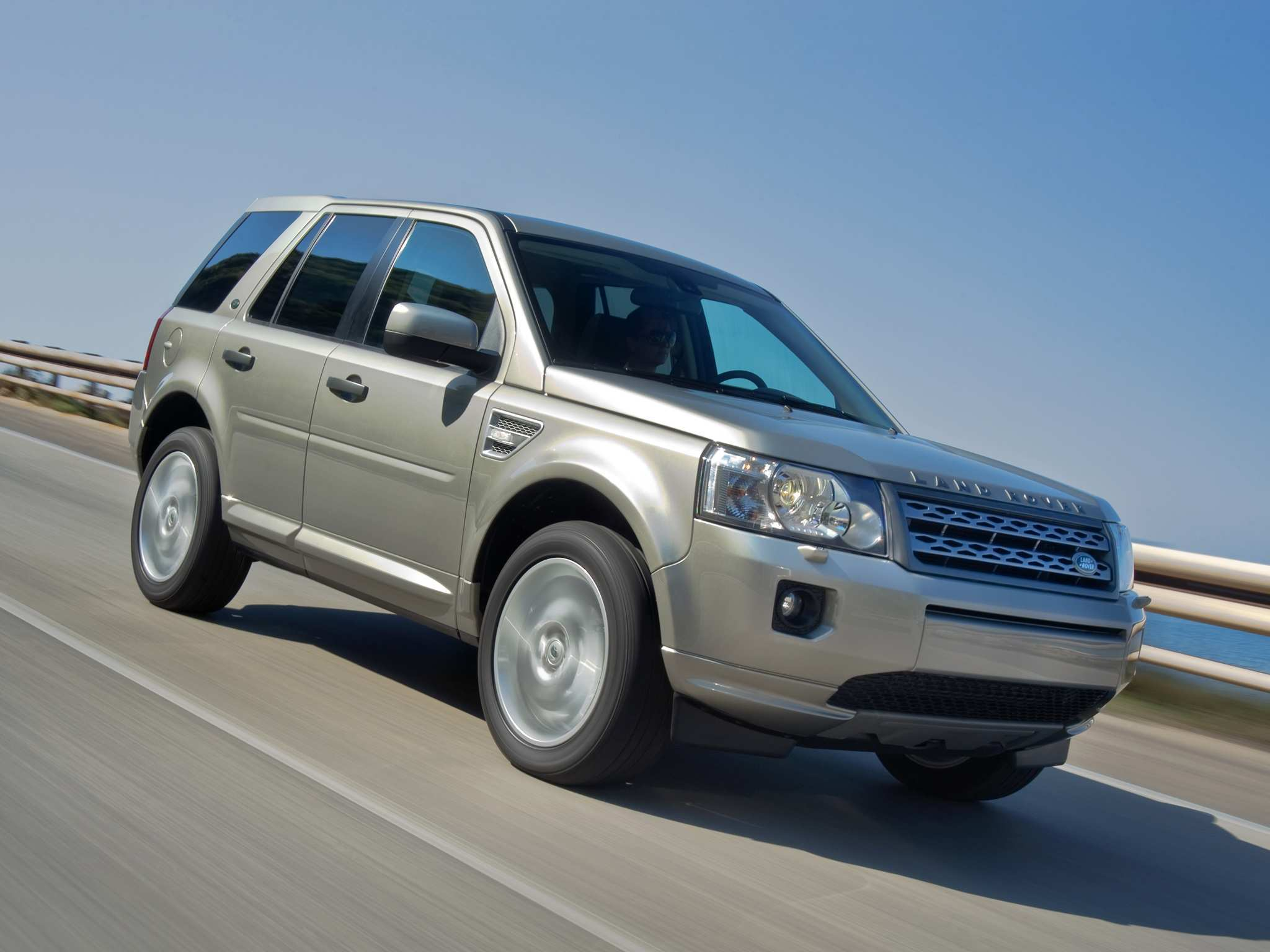 60 The 2019 Land Rover Freelander 2 Research New with 2019 Land Rover Freelander 2