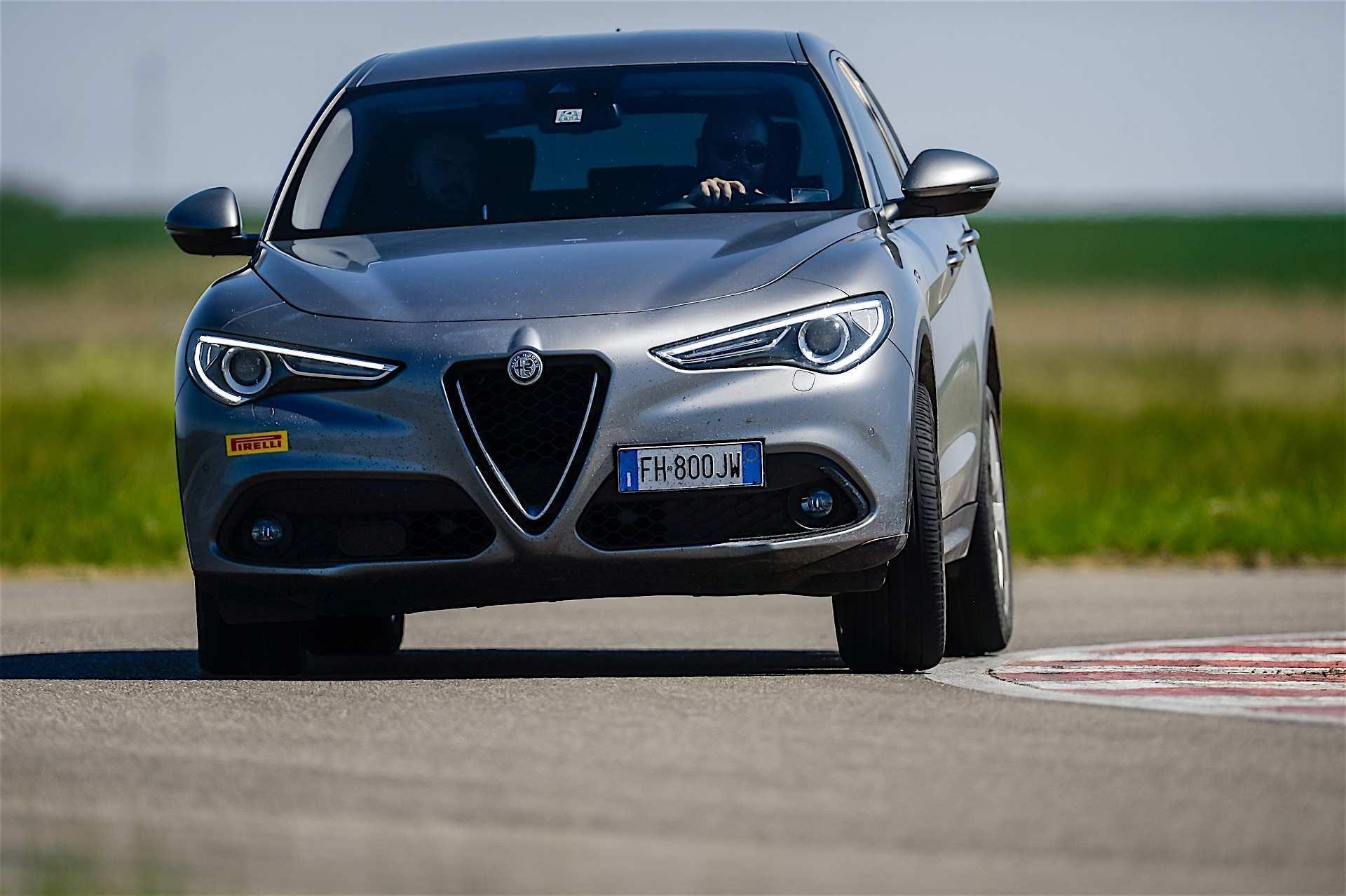 62 All New 2020 Alfa Romeo Suv First Drive by 2020 Alfa Romeo Suv