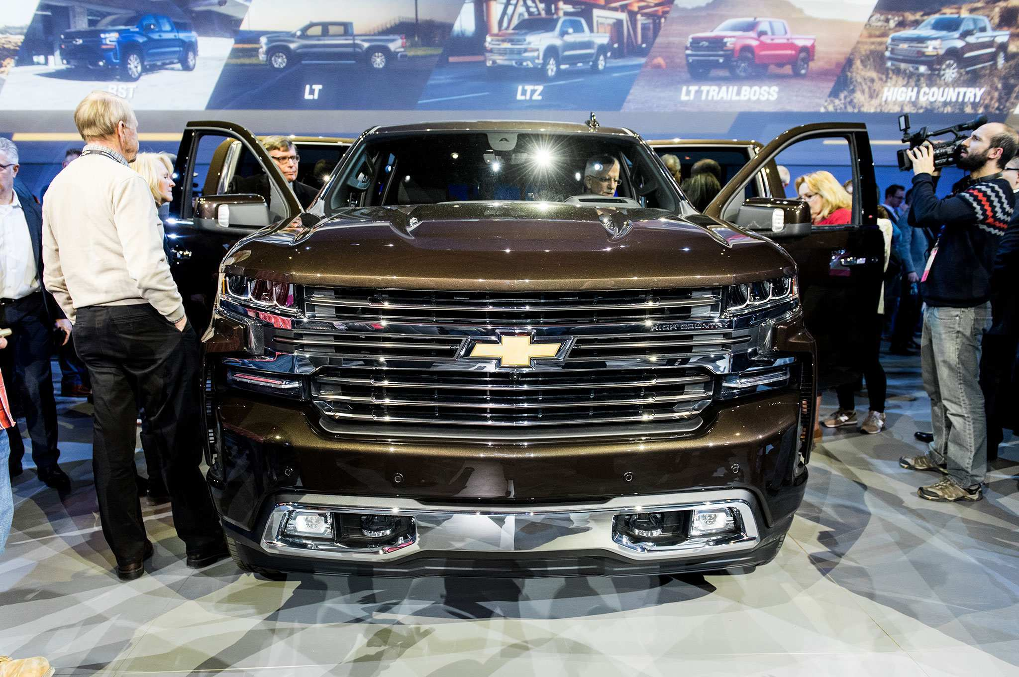 65 The 2019 Chevrolet 3500 High Country Spy Shoot by 2019 Chevrolet 3500 High Country