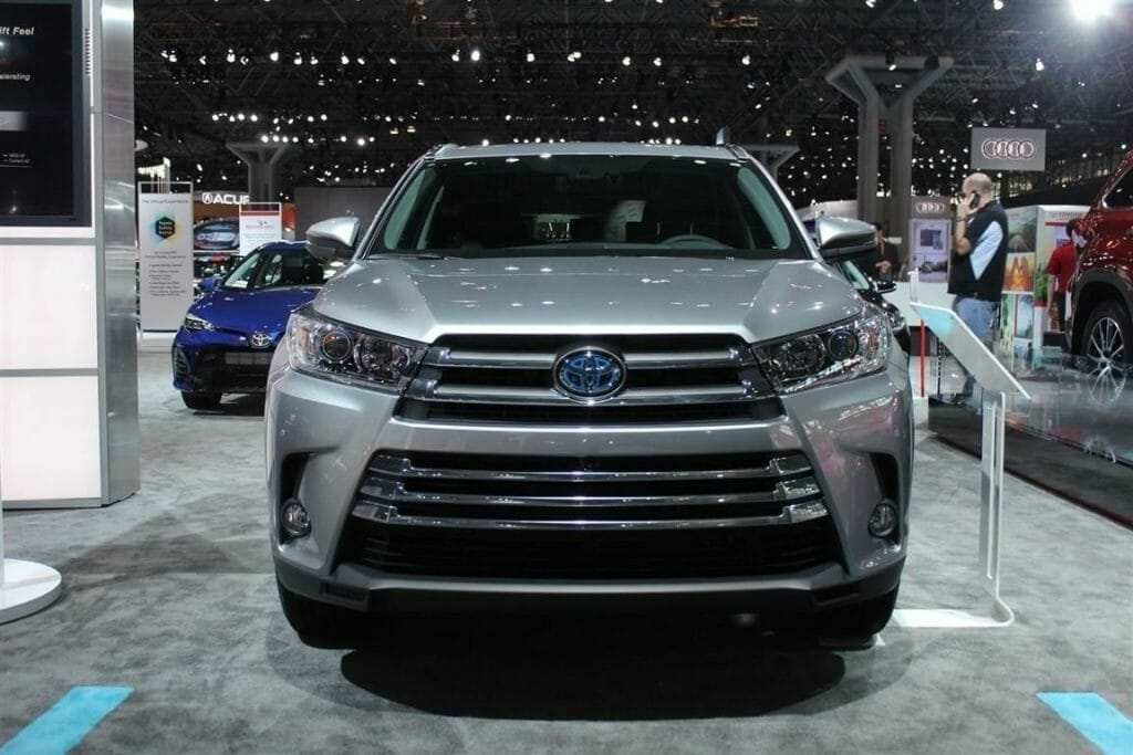 70 Great 2019 Toyota Land Cruiser Spy Shots Exterior and Interior by 2019 Toyota Land Cruiser Spy Shots
