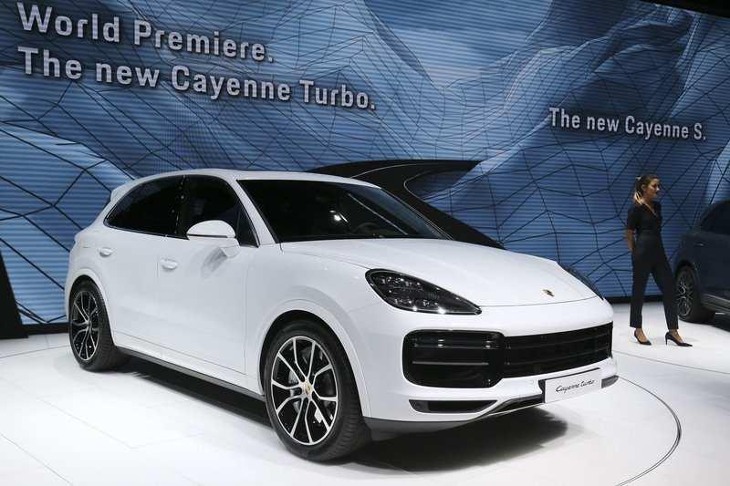 71 The 2019 Porsche Cayenne Standard Features Prices by 2019 Porsche Cayenne Standard Features