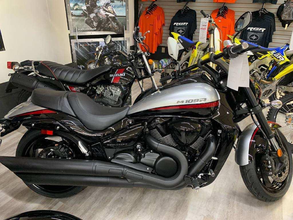 72 Gallery of 2019 Suzuki M109R Performance and New Engine with 2019 Suzuki M109R