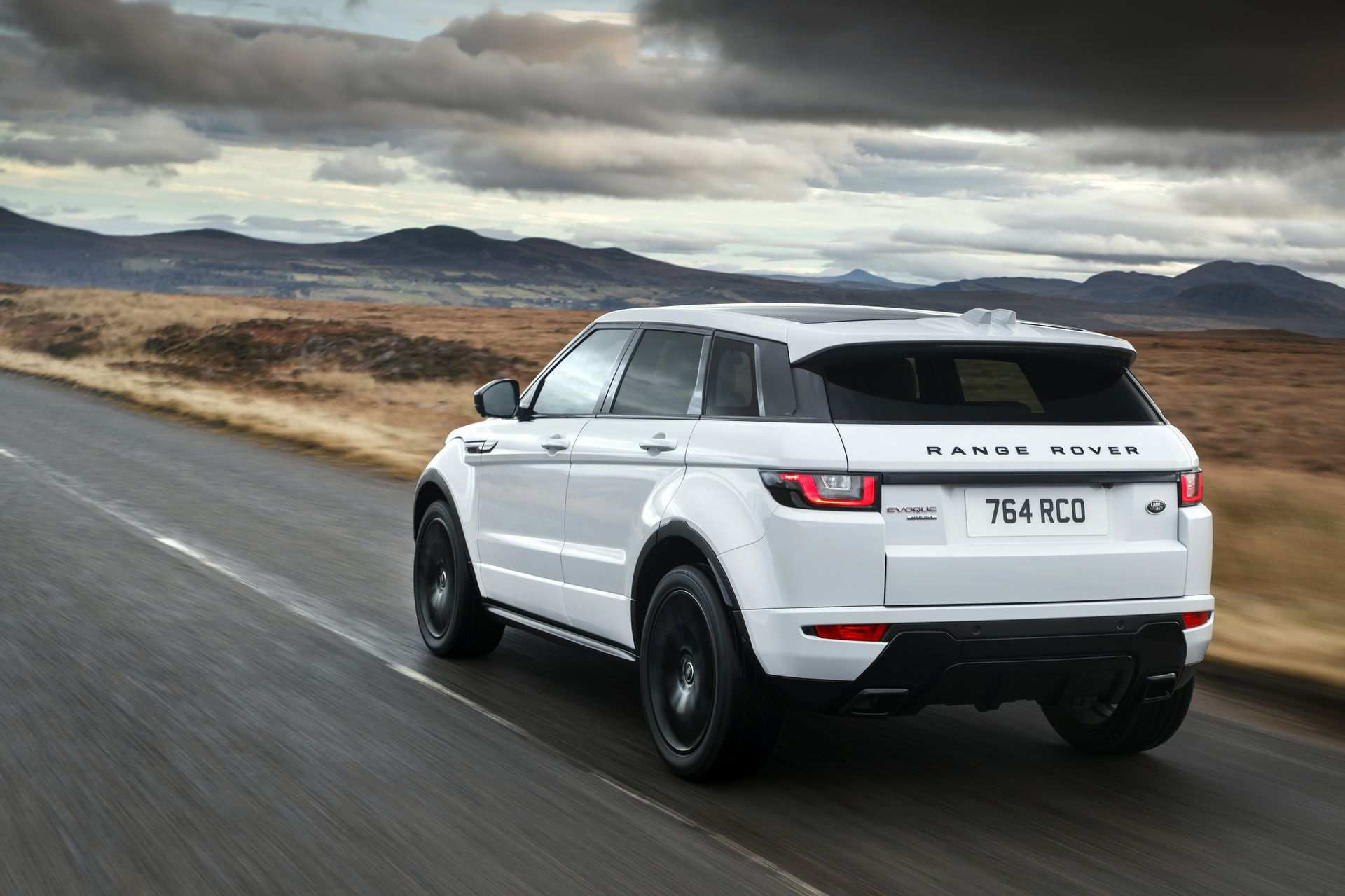 74 Great New Land Rover Evoque 2019 First Drive for New Land Rover Evoque 2019