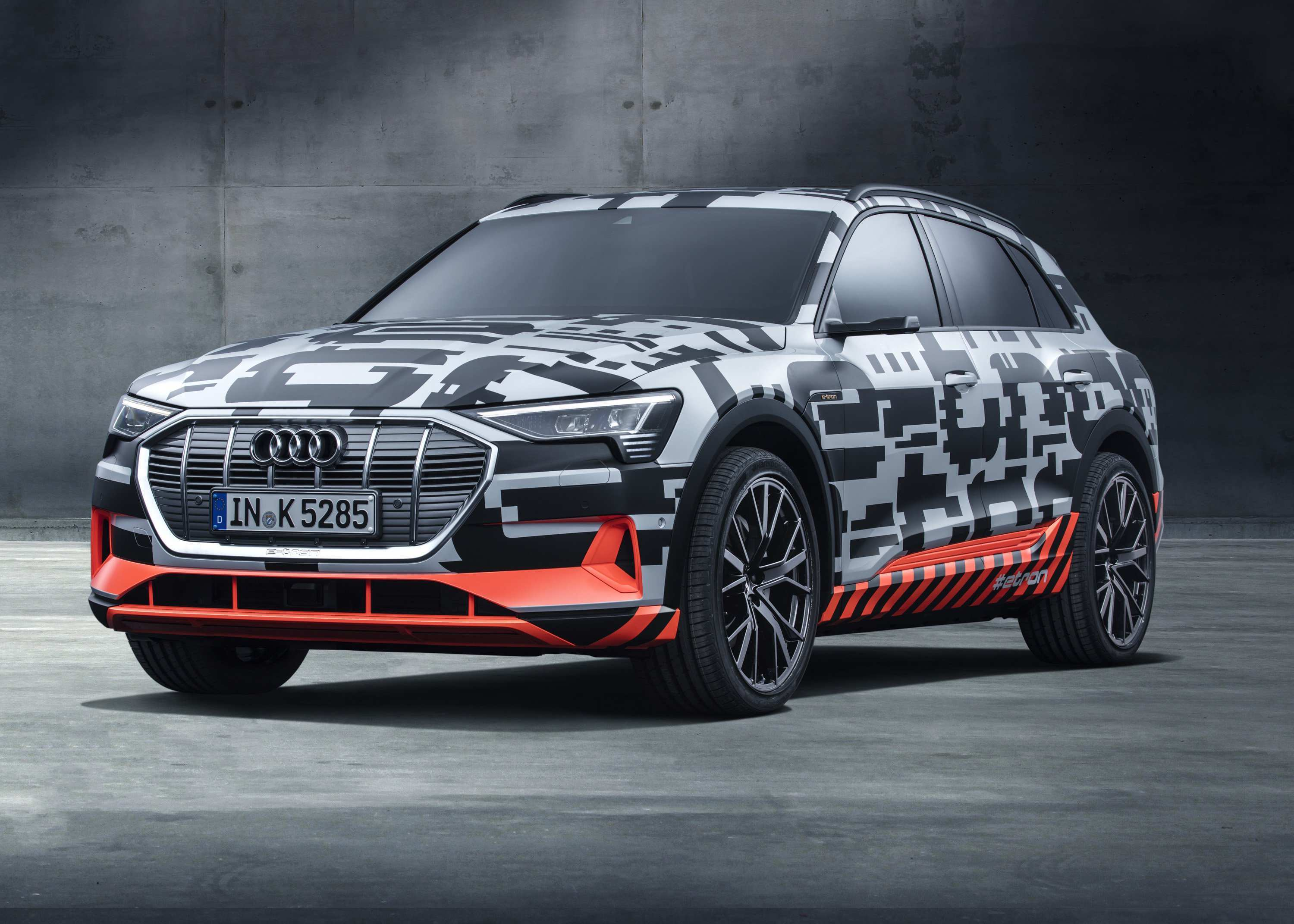 76 Great 2019 Audi E Tron Quattro Spy Shoot by 2019 Audi E Tron Quattro