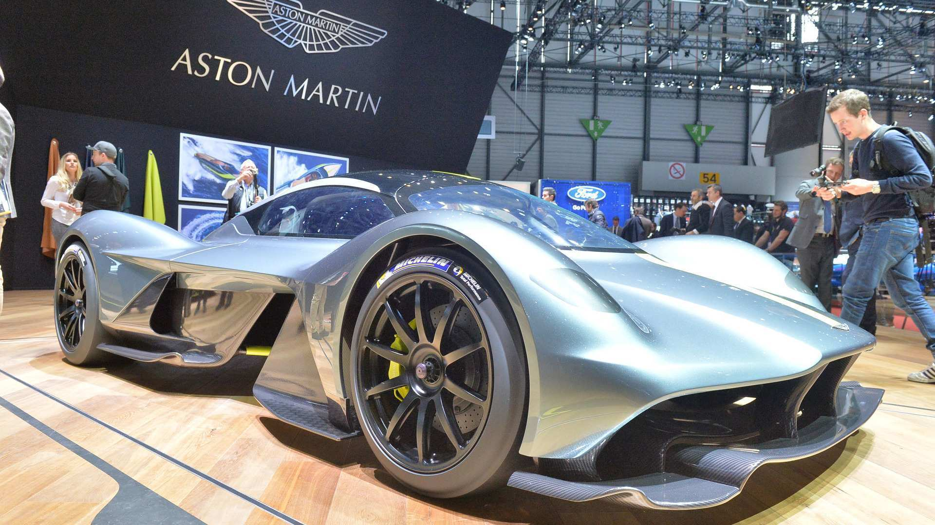 77 All New 2019 Aston Martin Valkyrie Review with 2019 Aston Martin Valkyrie