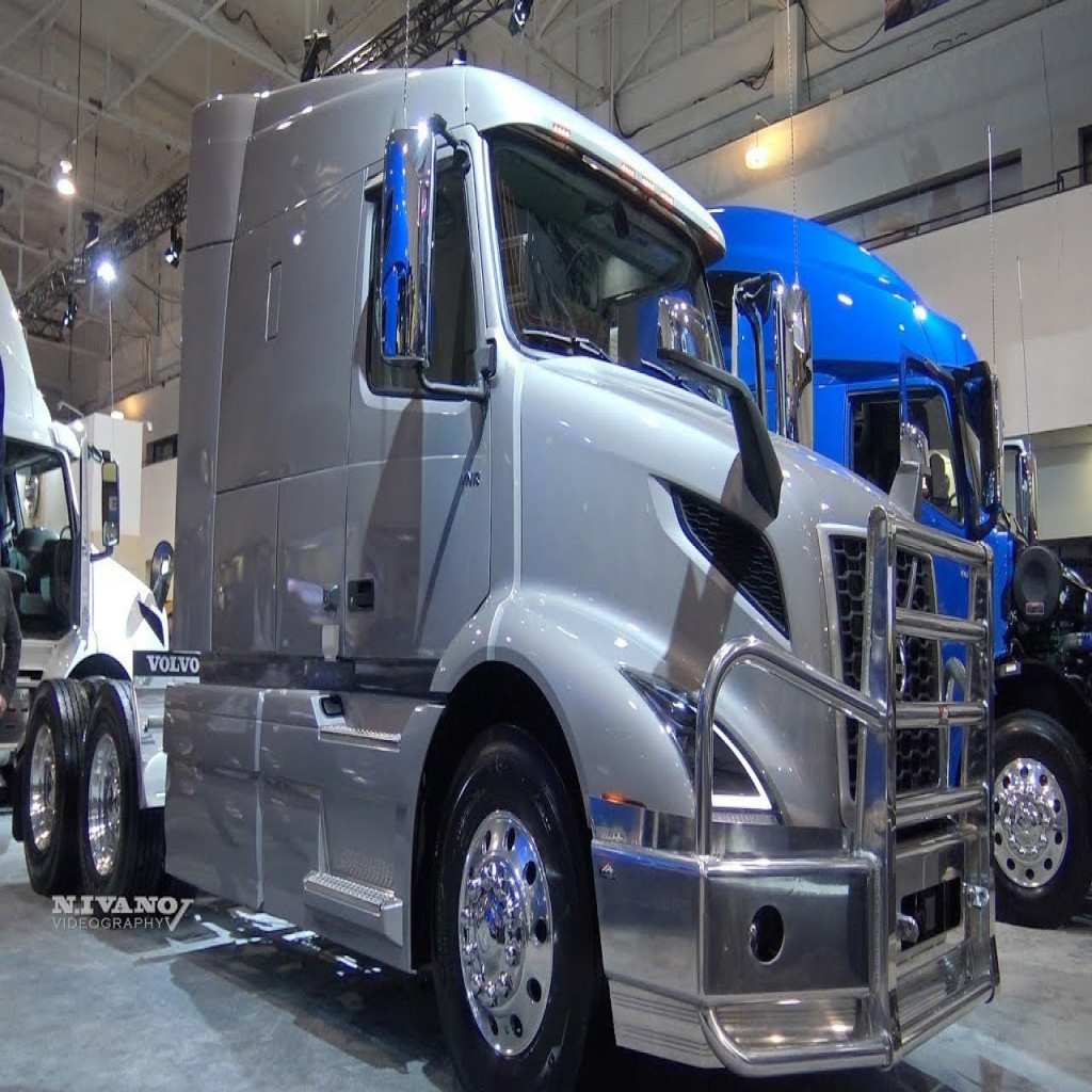 81 New 2019 Volvo 18 Wheeler Spy Shoot with 2019 Volvo 18 Wheeler