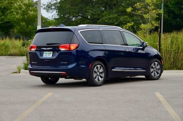 82 Best Review 2019 Chrysler Pacifica Review Specs and Review with 2019 Chrysler Pacifica Review