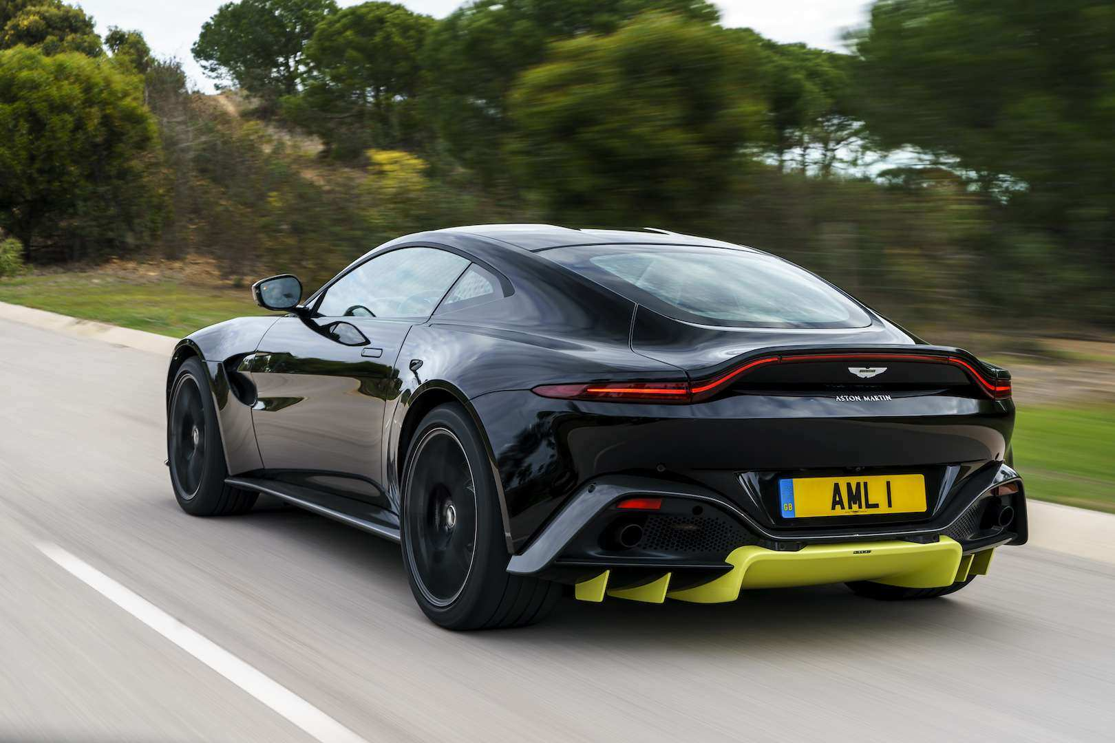 93 Gallery of 2019 Aston Martin Vantage Review Exterior by 2019 Aston Martin Vantage Review