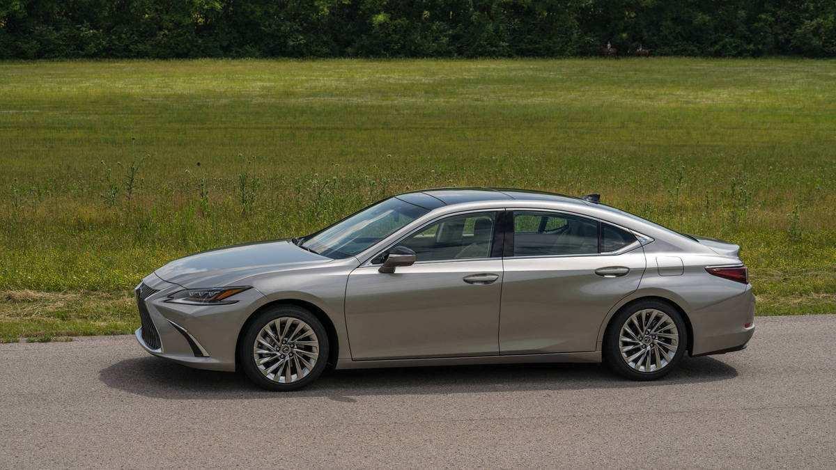 95 New 2019 Lexus Es Hybrid Spy Shoot by 2019 Lexus Es Hybrid