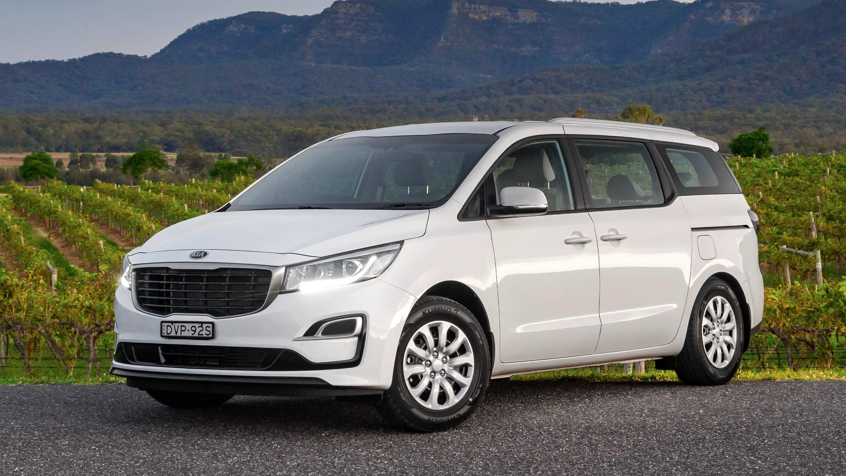 60 The Kia Grand Carnival 2019 Review Prices with Kia Grand Carnival 2019 Review