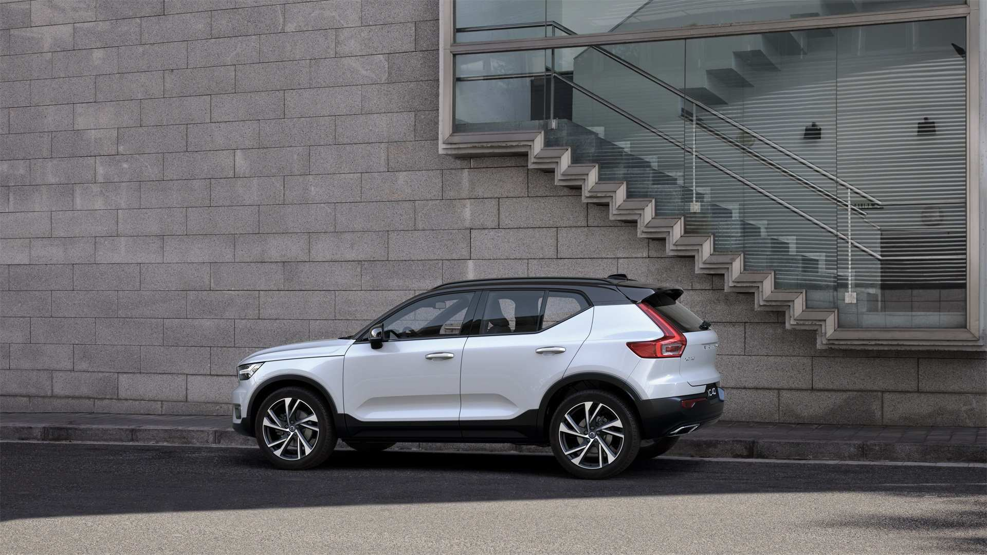 80 Concept of 2019 Volvo Xc40 T5 R Design Price for 2019 Volvo Xc40 T5 R Design